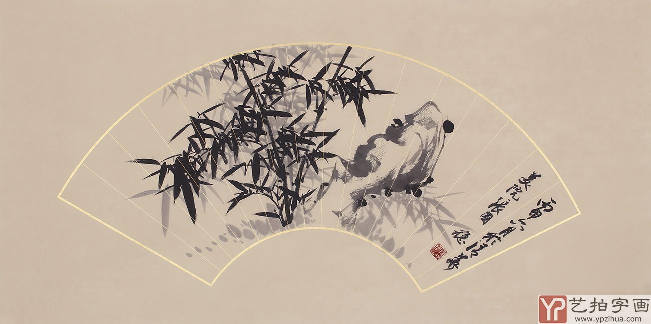 北京画竹名家张国稳先生,祖籍河北,定居北京,几十年来对竹子情有独钟,种竹、编竹、观竹、画竹,数以万次的写生,加上心随竹生的执著精神,把竹画演绎得惟妙惟肖、出神入化,尤其是他用特殊技法创作的红运竹、开运竹更是形韵合一,清雅脱俗,预示着人们吉祥如意的好兆头,在画坛被大家公认为板桥再传。 现为清华美院的特聘画家和中国书画艺术创作基地职业画家的他,深得艺术大师霍春阳的精心指点,多次在清华大学、北京紫竹院和扬州八怪纪念馆等地举办个展,作品分别收录《画坛百杰》、《画竹百家》、《水墨清华》、《神州诗书画报》等重要刊