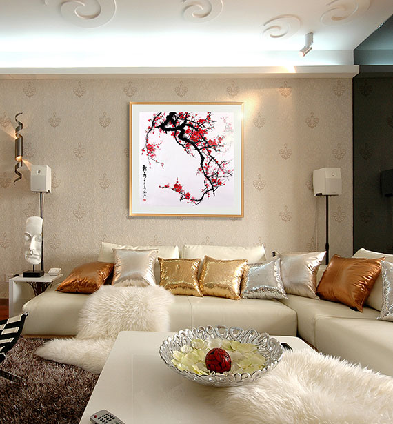 梅花非常适合挂在客厅